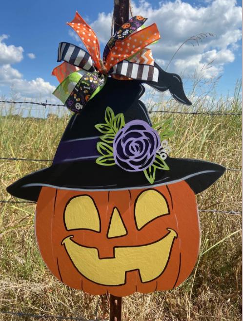 pumpkin with hat